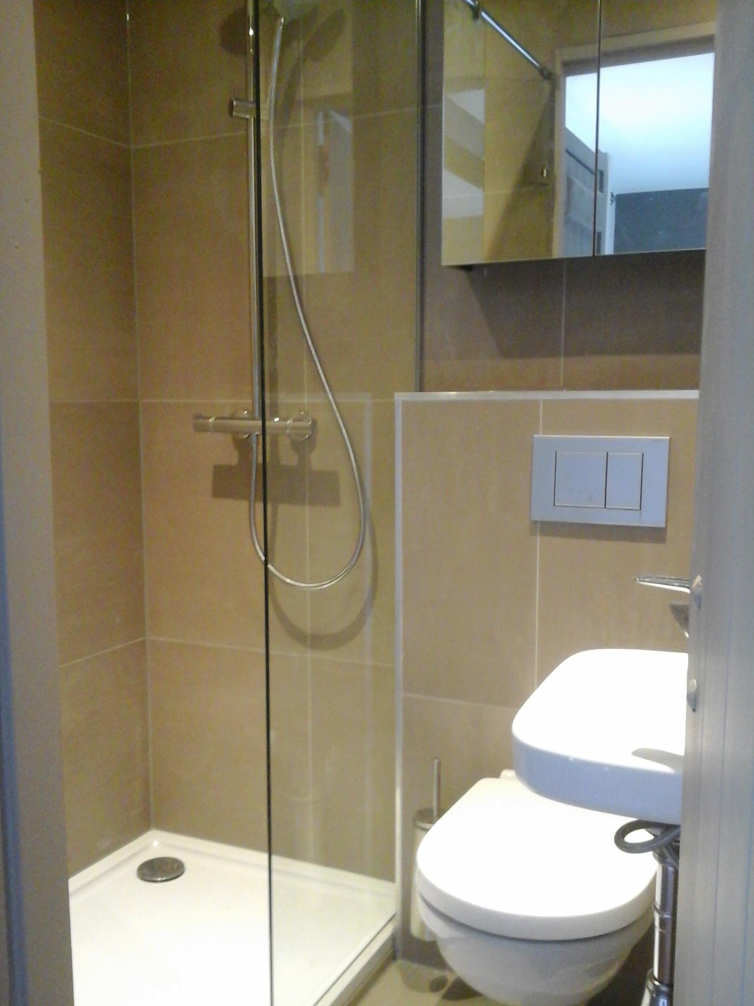 Foto 39 s gerealiseerde projecten door rmk totaalonderhoud leemstuc flevoland - Kleine badkamer met douche ...